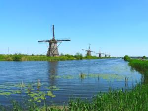 【ナノブロック】世界遺産のひとつ、キンデルダイク=エルスハウトの風車がよく回るわ!