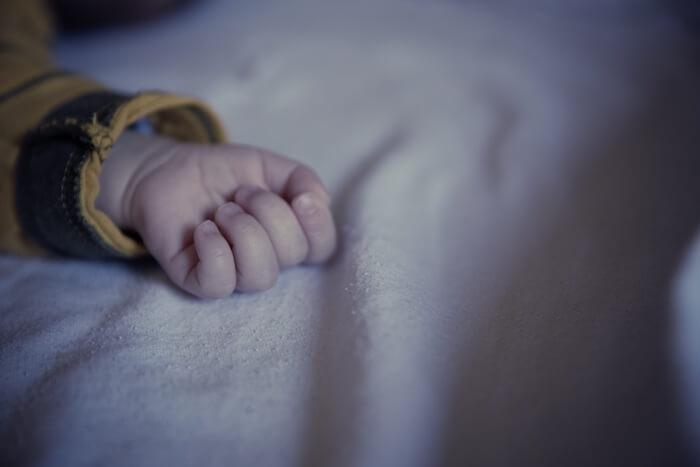【実録】赤ちゃんが40℃の高熱に!1歳前の突発性発疹?夜間救急や夜泣きなど…発症から完治までの記録