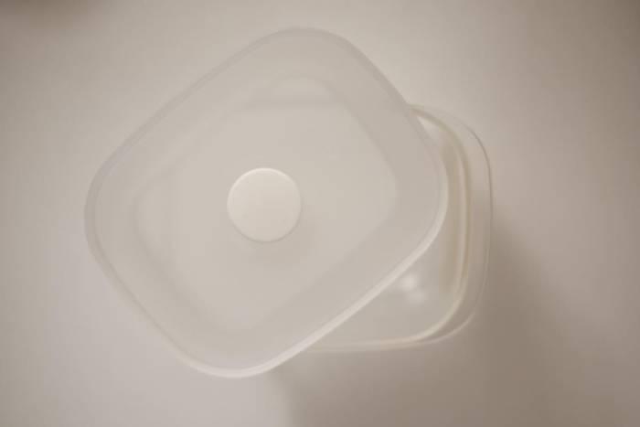 無印良品のタッパー「バルブ付き密閉保存容器」はフタをしたままレンジでチンしてオッケー!機能もデザインも秀逸なおすすめアイテム