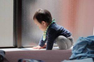 FUJIFILM XF90mm F2とフィルムシミュレーション「クラシッククローム」で息子のいたずらを隠し撮り