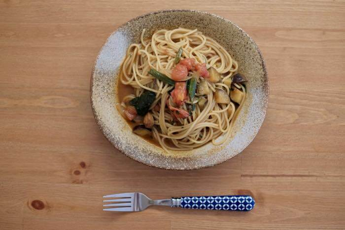 【アレンジ】無印良品の「スパイシーチキンカレー」を使った夏野菜のカレーパスタを作ったよ