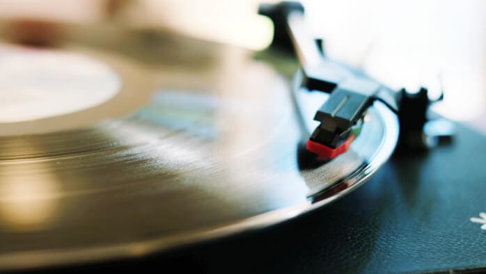レコードで音楽を聴こう!デジタル化もできるION Audio Compact LPが安くてもオシャレで素敵