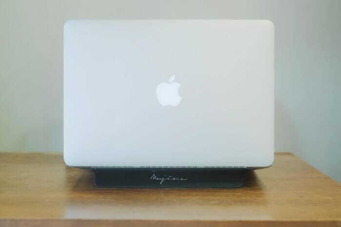 MacBook Proが熱い!ノートパソコンの冷却・放熱に!mujina(ムジナ)PCスタンドが安くていいよ